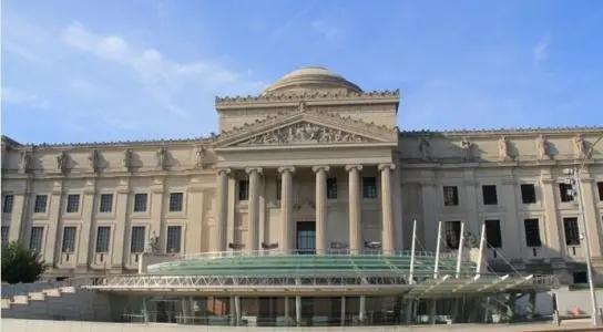 美国疫情反弹,博物馆开而复关